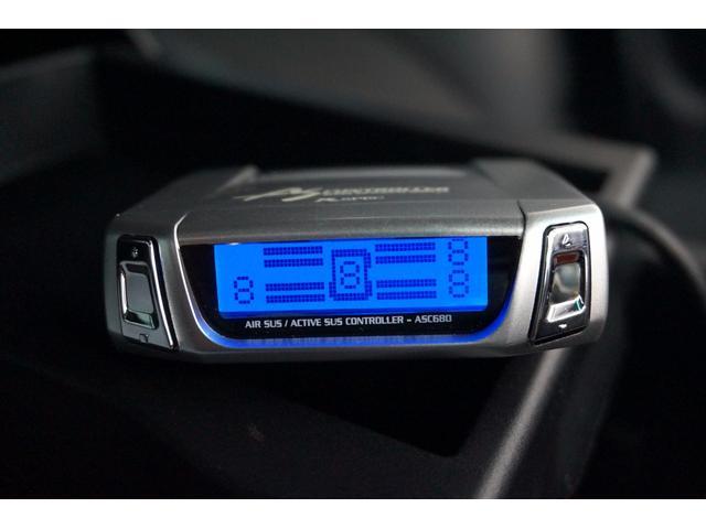 ●エアサスコントローラー!!!ボタン一つで車高を上げ下げできます。すごく便利です。