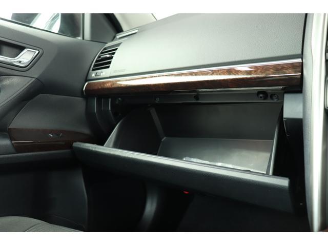 ●収納は大容量ですので、車内が散らかることもないですね!!!