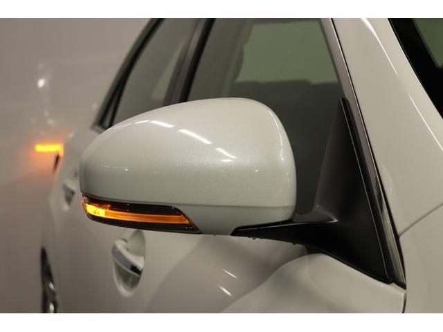 ●今では主流になってきているドアミラーウインカーも、標準装備になっております。視認性も良くおしゃれな装備ですね!!