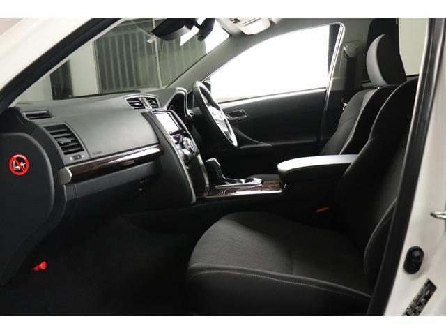 ●お体が直接触れるシートが汚いと嫌ですよね。その点このお車は、元々綺麗な状態で仕入れをしている上、専属のスタッフが専用の溶剤で丹念にクリーニングしておりますので非常に綺麗です。