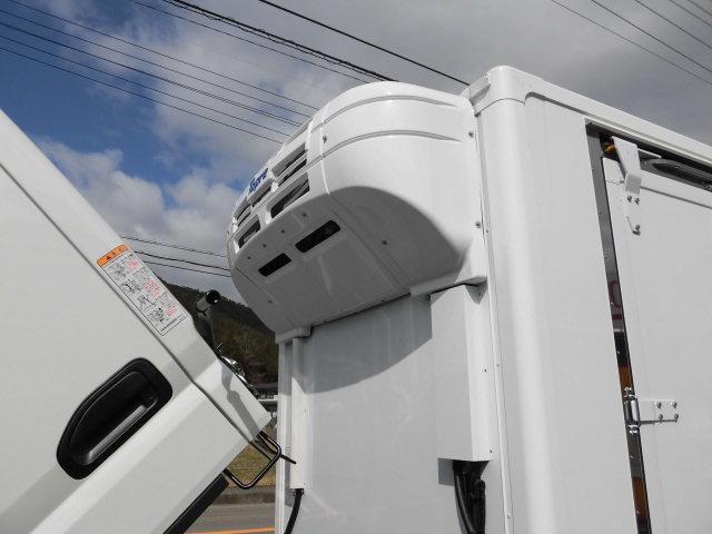 三菱ふそう キャンター 全低床 東プレ製低温仕様冷凍車 インパネ5MT