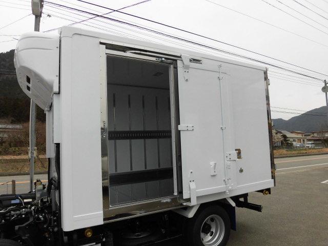 全低床 東プレ製 低温仕様冷凍車(12枚目)
