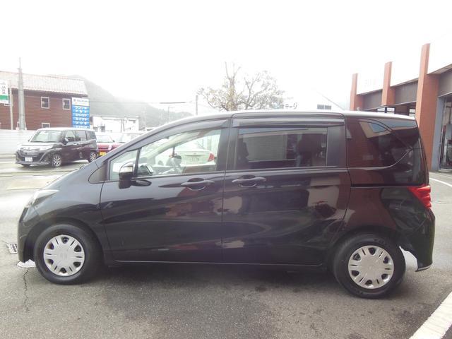 大人気のスタイリッシュな黒ボディー♪その輝きは車を一段とカッコ良く見せます!