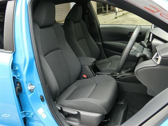 車内から全席のシ−トを取り外して、スチ−ムでシート表面の汚れを浮かせて、高温スチ−ムで同時除菌しているので、綺麗が一番いいですよね♪♪