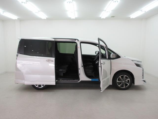 新車限定車ZS煌II!モデリスタエアロ付き!!人気の両側電動スライドドア付き!女性の方や荷物で手が塞がっている状態でも両側スライドドアが自動開閉でラクチンです!!