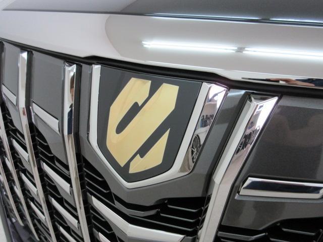 2.5S タイプゴールド 新車 3眼LEDヘッド シーケンシャルウィンカー サンルーフ デジタルインナーミラー BSM ディスプレイオーディオ 両側電動スライド パワーバックドア ハーフレザー オットマン レーントレーシング(16枚目)