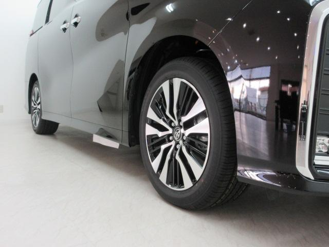 2.5S Cパッケージ 新車 3眼LEDヘッド シーケンシャル サンルーフ フリップダウンモニター ディスプレイオーディオ 両側電動スライド パワーバックドア ブラックレザーシート オットマン レーントレーシング(26枚目)
