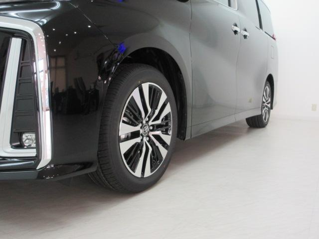 2.5S Cパッケージ 新車 3眼LEDヘッド シーケンシャル サンルーフ フリップダウンモニター ディスプレイオーディオ 両側電動スライド パワーバックドア ブラックレザーシート オットマン レーントレーシング(44枚目)