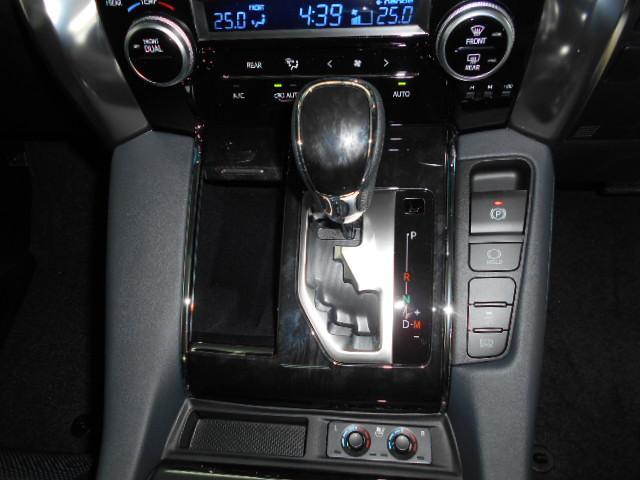 2.5S Cパッケージ 新車 3眼LEDヘッド シーケンシャル サンルーフ フリップダウンモニター ディスプレイオーディオ 両側電動スライド パワーバックドア ブラックレザーシート オットマン レーントレーシング(67枚目)