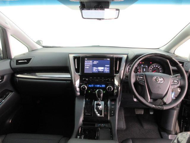 2.5S Cパッケージ 新車 サンルーフ フリップダウンモニター 3眼LEDヘッド シーケンシャルウィンカー ディスプレイオーディオ 両側電動スライド パワーバックドア ブラックレザーシート オットマン レーントレーシング(6枚目)