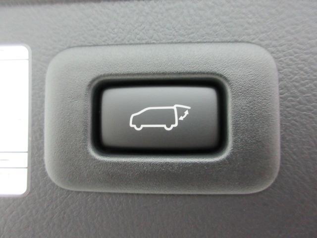 2.5S Cパッケージ 新車 サンルーフ フリップダウンモニター 3眼LEDヘッド シーケンシャルウィンカー ディスプレイオーディオ 両側電動スライド パワーバックドア ブラックレザーシート オットマン レーントレーシング(57枚目)