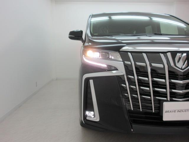 2.5S Cパッケージ 新車 3眼LEDヘッド シーケンシャル サンルーフ デジタルインナーミラー フリップダウンモニター BSM ディスプレイオーディオ 両側電動スライド パワーバックドア オットマン レーントレーシング(16枚目)