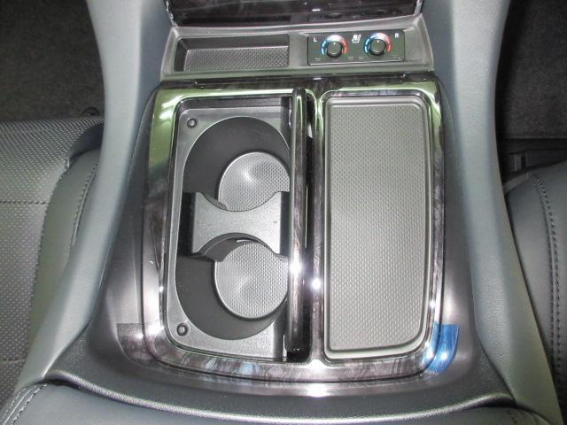 2.5S Cパッケージ 新車 3眼LEDヘッドライト シーケンシャルウィンカー フリップダウンモニター ディスプレイオーディオ 両側電動スライド パワーバックドア オットマン レーントレーシング レザーシート 電動オットマン(64枚目)