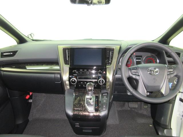 2.5S タイプゴールドII 新車 3眼LEDヘッドライトシーケンシャルウィンカー ディスプレイオーディオ 両側電動スライド パワーバックドア ハーフレザーシート オットマン レーントレーシング バックカメラ 100Vコンセント(7枚目)