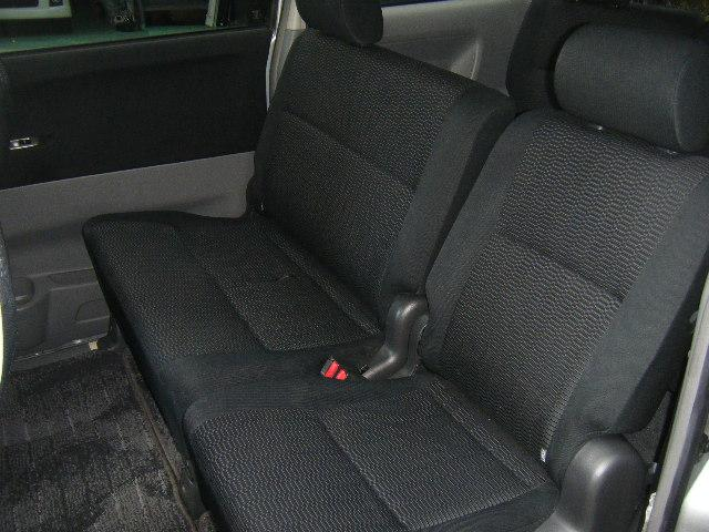 トヨタ ヴォクシー Z 後期モデル 15アルミ キーレス HID