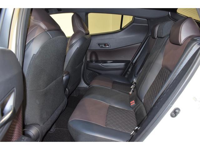 「トヨタ」「C-HR」「SUV・クロカン」「大阪府」の中古車11