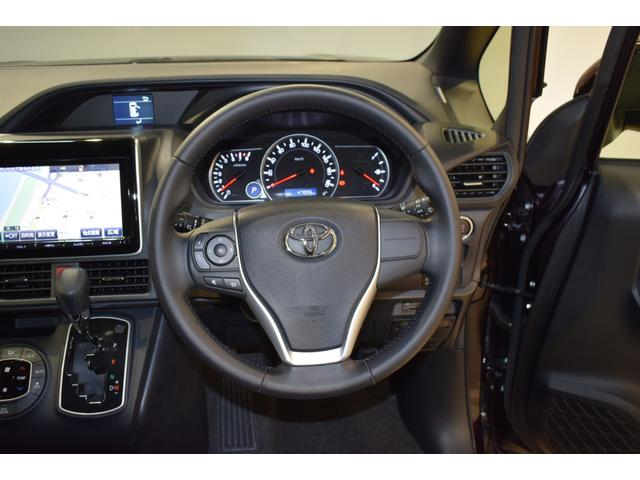 ハンドル操作でオーディオ/エアコン等がコントロール出来ますので、利便性だけでなく事故防止にも繋がりますよ!