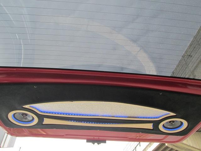 トヨタ ハイエースバン ロングスーパーGL内装外装フルカスタム 3モニターウーファー