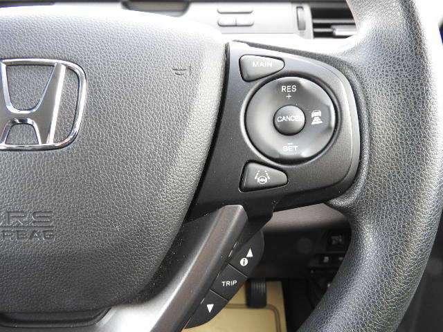 Hondaセンシングの機能のひとつ、アダプティブクルーズコントロール付!アクセルから足を離しても設定したスピードと前車との車間を保持して走行してくれます!車線維持もアシスト!高速道路の運転が楽になりま