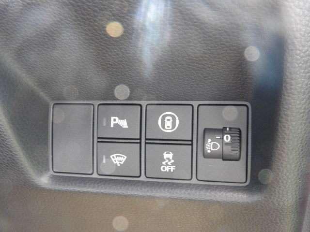 ホーム HondaSENSING デモカー 禁煙車 障害物センサー クルーズコントロール 8インチインターナビ DVD再生 フルセグTV バックカメラ ドライブレコーダー ETC LEDヘッドライト(15枚目)