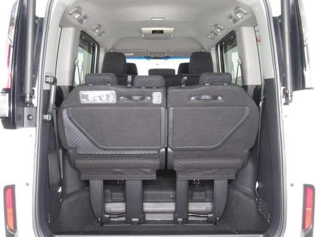 シートアレンジで様々な荷物の大きさや用途に対応可能です!