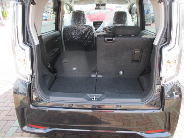 クルマの品揃えの中心は、主に下取りの車です。その他、オークション仕入れや買い取りしたクルマもあります。