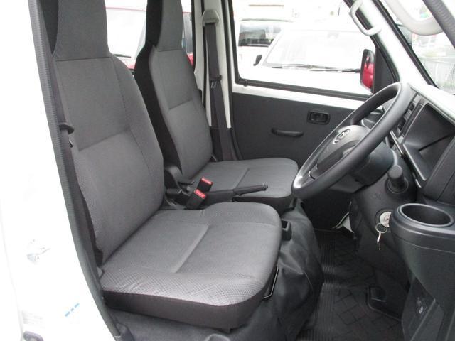 スペシャル 4WD・4AT・FMAMラジオ 走行1560km(12枚目)