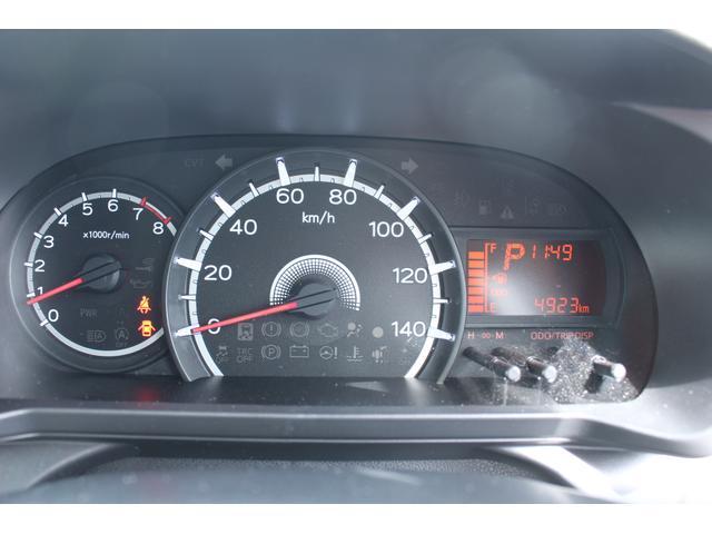 L SA3 CDデッキ キーレスエントリー エコアイドル 衝突被害軽減ブレーキ キーレスエントリー CDデッキ 誤発進抑制制御機能 車線逸脱機能 オートハイビーム エコアイドル 電動格納ドアミラー 盗難防止機能 アップグレードパック ベンチシート エアコン(10枚目)