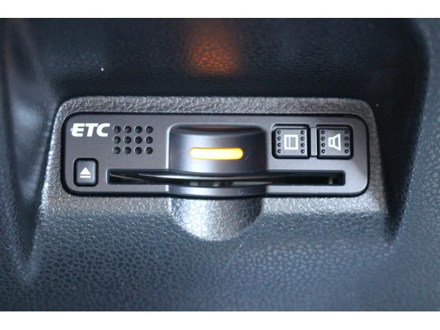 シーズ ファインスタイル ハイブリッド車 純正ナビゲーション ETC オートエアコン キーフリー(13枚目)