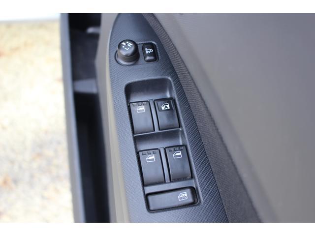 カスタムR 4WD スマートキー HIDライト(28枚目)