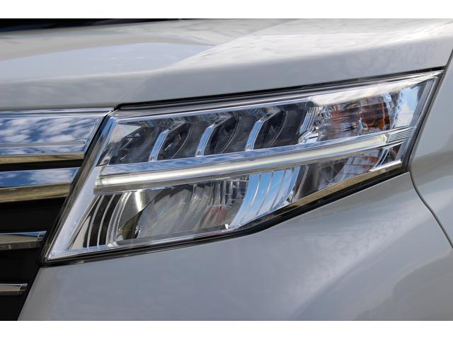 カスタムG リミテッド SAIII 両側パワースライド スマアシ LEDヘッドライト パノラマモニターキーフリー オートエアコン シートヒーター クールーズコントロール(71枚目)