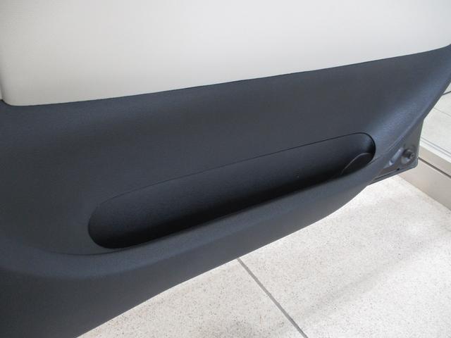 ココアプラスG キーフリーシステム バックモニター内蔵式ルームミラー ベンチシート タイミングチェーン CDチューナー ルーフレール フロントフォグライト キーフリーシステム オートエアコン シートリフター チルトステアリング(65枚目)