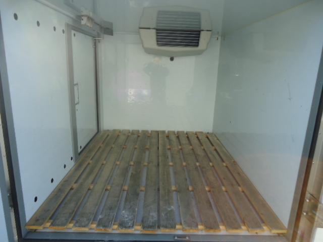KCエアコン・パワステ 冷蔵冷凍車 エアコン パワステ パワーウィンドウ 設定温度-5度〜+20度 庫内木製スノコ(9枚目)