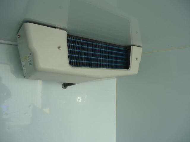 KCエアコン・パワステ 冷蔵冷凍車 エアコン パワステ パワーウィンドウ 設定温度-5度〜+20度 庫内木製スノコ(10枚目)