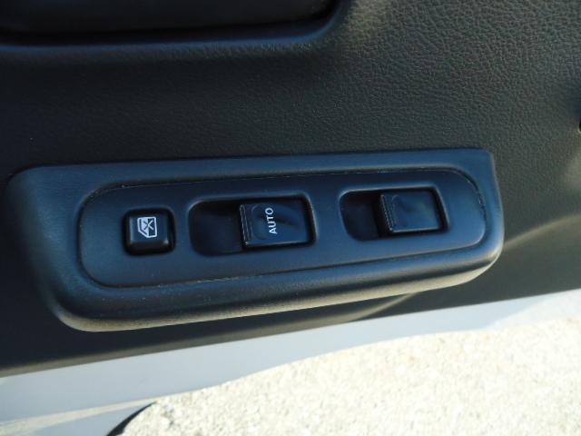 KCエアコン・パワステ 冷蔵冷凍車 エアコン パワステ パワーウィンドウ 設定温度-5度〜+20度 庫内木製スノコ(17枚目)