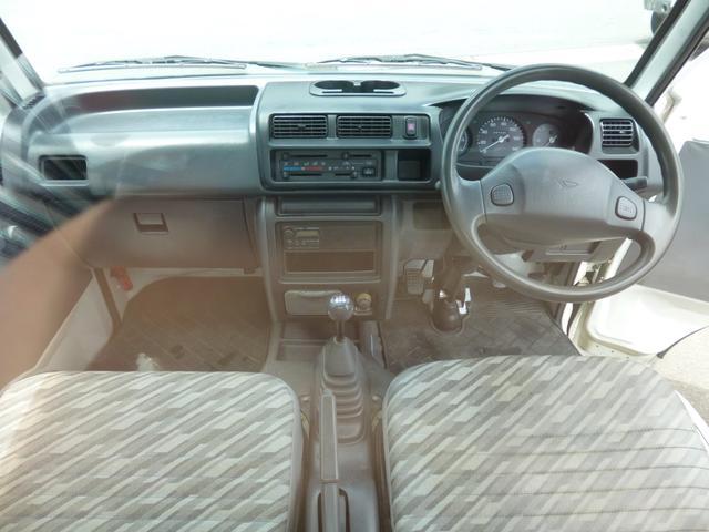 スペシャル 4WD 軽トラック 5速ミッション全国保証付(9枚目)