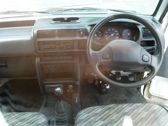 スペシャル 4WD 軽トラック 5速ミッション全国保証付(10枚目)