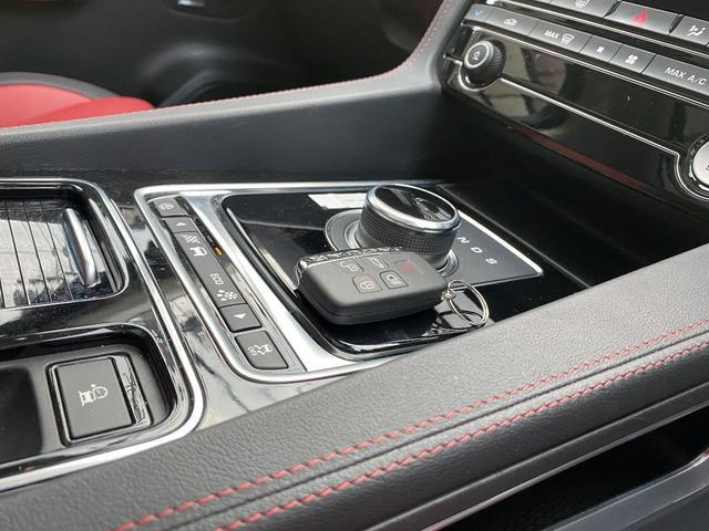 「ジャガー」「Fペース」「SUV・クロカン」「京都府」の中古車12