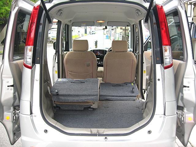 軽自動車ながら広大なラゲッジスペース、分割可倒式ですので便利に使用できます!
