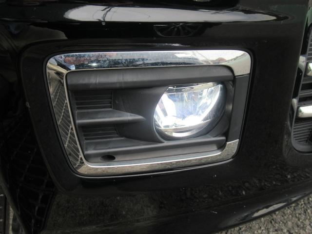 オプション設定の車も多いフォグランプ!!ヘッドライトの光だけでは暗い場所や雨や霧の時に効果を発揮します!!