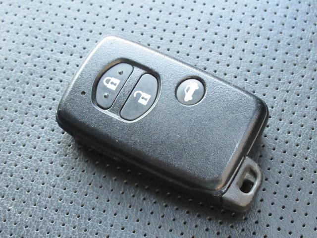 2.0i-S アイサイト 4WD 衝突軽減 黒革シート パワーシート シートヒーター メモリー付パワーバックドア Panasonic HDDナビ バックカメラ ETC レーンキープ クルコン パドルシフト HIDオートライト(25枚目)