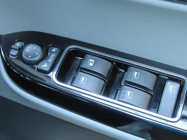 カスタムX 衝突軽減ブレーキ ハーフレザーシート 予約機能付両側ワンタッチ電動スライド 純正オーディオ CD DVD USB バックカメラ オートAC ステアリングリモコン LEDオートライト クリアランスソナー(35枚目)