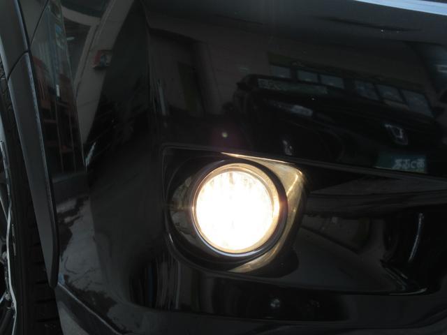 2.0i 4WD PanasonicSDナビ CD DVD SD録音 フルセグTV バックカメラ ETC ステリモ クルコン 純正17インチアルミ パドルシフト HIDヘッドライト フォグランプ オートライト(24枚目)