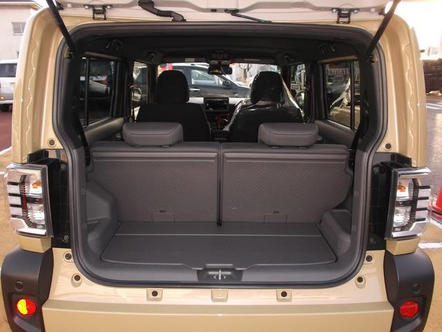 トランクも広く、大きな荷物もたくさん載ります