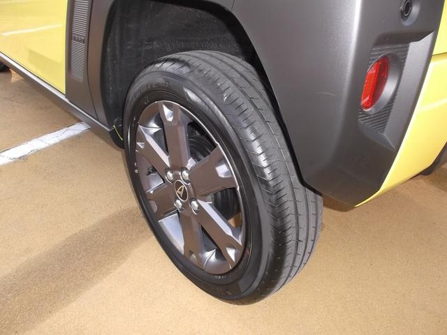 タイヤの溝もたくさんあります。納車前にタイヤローテイションします