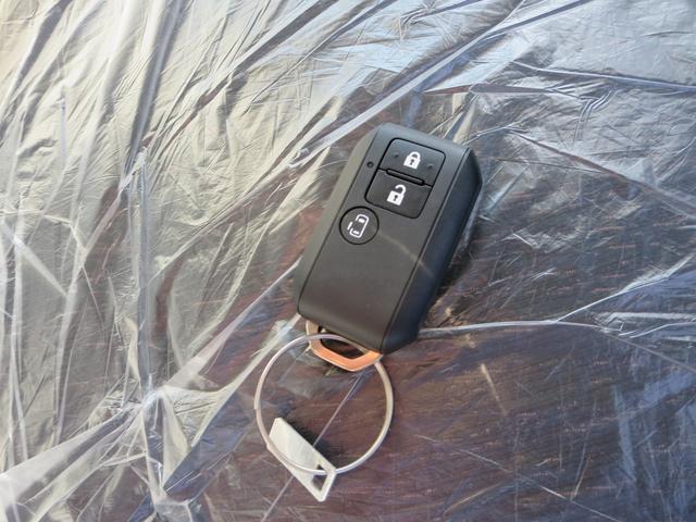 キーフリーで持ち運びに便利♪♪鍵をポケットにいれたままでもドアの開閉とエンジンのスタートが出来ます♪♪