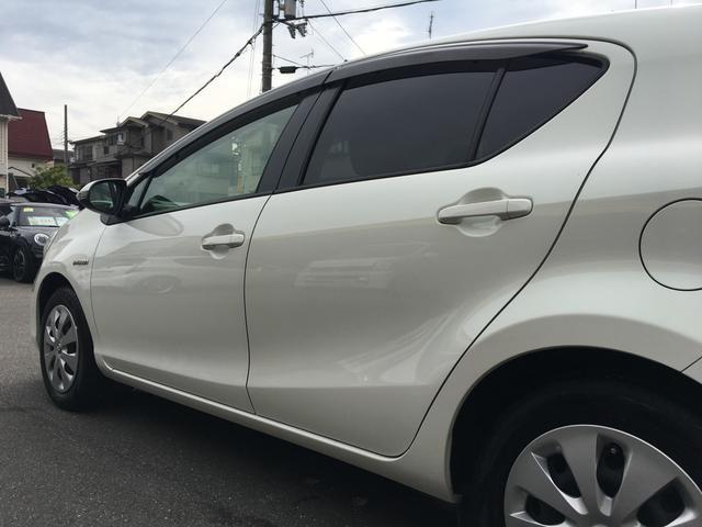「トヨタ」「アクア」「コンパクトカー」「京都府」の中古車52