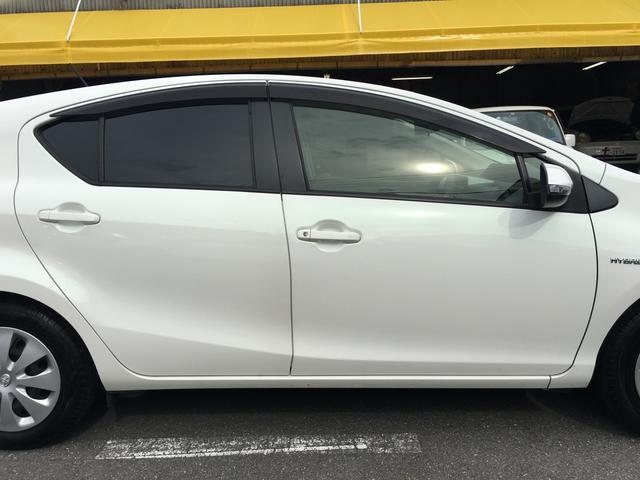 「トヨタ」「アクア」「コンパクトカー」「京都府」の中古車59