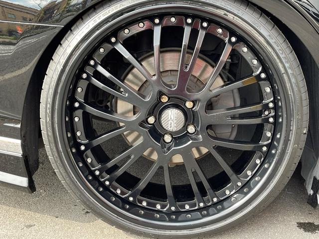 LS500h AWD エグゼクティブ WALD仕様 OZ22アルミ サンルーフ 黒革シート エアサスコントローラー リアエンターテイメント セーフティシステム+A マークレビンソン デジタルインナーミラー 新車保証継承 212ブラック(5枚目)