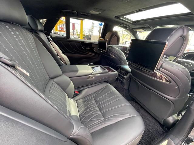 LS500h AWD エグゼクティブ WALD仕様 OZ22アルミ サンルーフ 黒革シート エアサスコントローラー リアエンターテイメント セーフティシステム+A マークレビンソン デジタルインナーミラー 新車保証継承 212ブラック(16枚目)